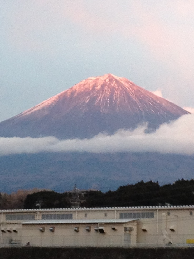 """Aka Fuji"" , Mt Fuji appears red because of sunset"