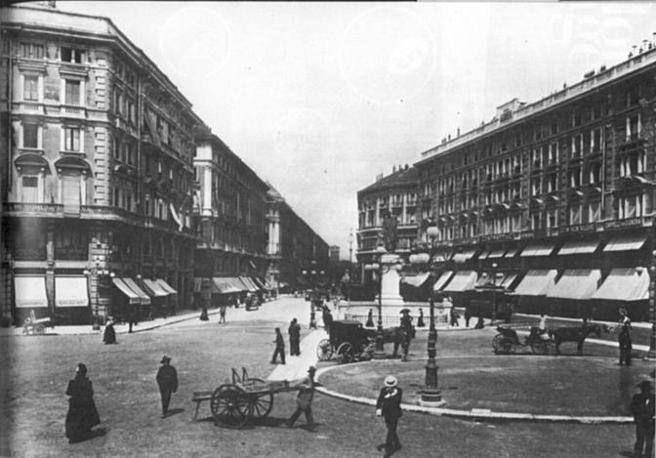 Vecchia Milano: piazza Cordusio a fine Ottocento