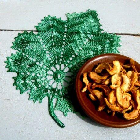 Háčkovaný list - zelený