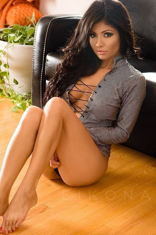 Exotic latina woman naked