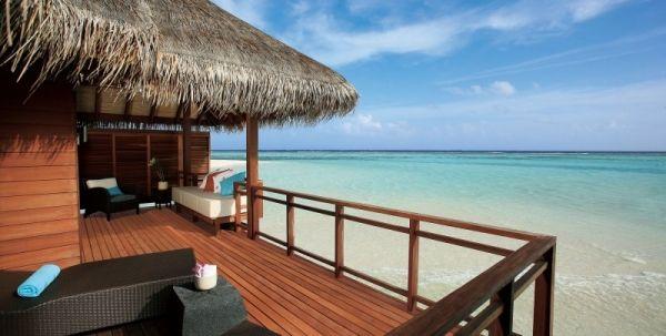 LUX Maldives Holzterrasse