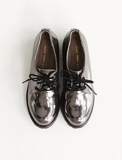 metallic oxfords  ~ doris cook has a seriously awesome shoe collection on pinterest...if you love shoes, you must see!