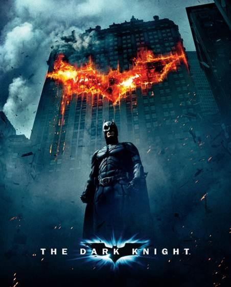 배트맨 :다크 나이트 (2011, 미국)    '양면을 가진 영웅'   배트맨은 실존하는 영웅은 아닙니다. 그러나 오늘날의 민중이 원하는 영웅상은 바로 배트맨입니다.   전쟁의 위협에서 어느 정도 자유로워 진 지금 영웅의 모습은 때로 민중이 원하지 않는 모습이기도 합니다.   영화 속 배트맨은 시민과 정부로부터 엄청난 비난을 받고 스스로 어둠 속에 머무르지요.   바로 그 점이 이 시대의 민중들이 원하는 영웅의 모습입니다.
