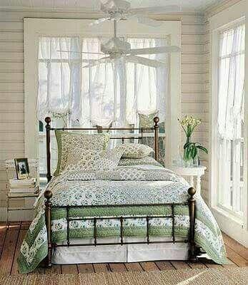 Evergreen Sage & White cottage
