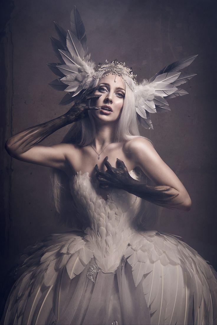 Photographer: Viona Ielegems - Viona-Art Designer: Fairytas Model: Jolien Rosanne