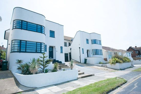 1930s E. William Palmer-designed art deco property in Brighton UK