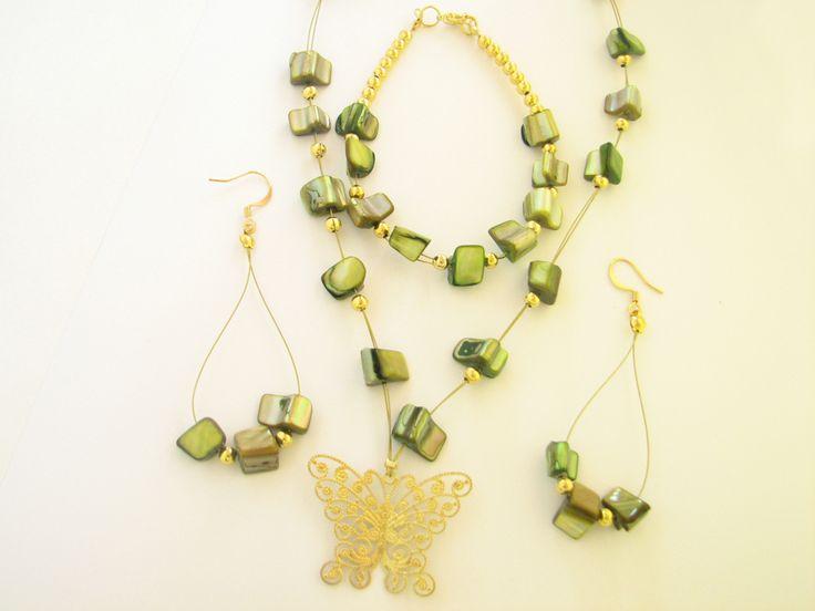 Set auriu cu sidef verde - Rezervat (40 LEI la daisy.jewelry.breslo.ro)