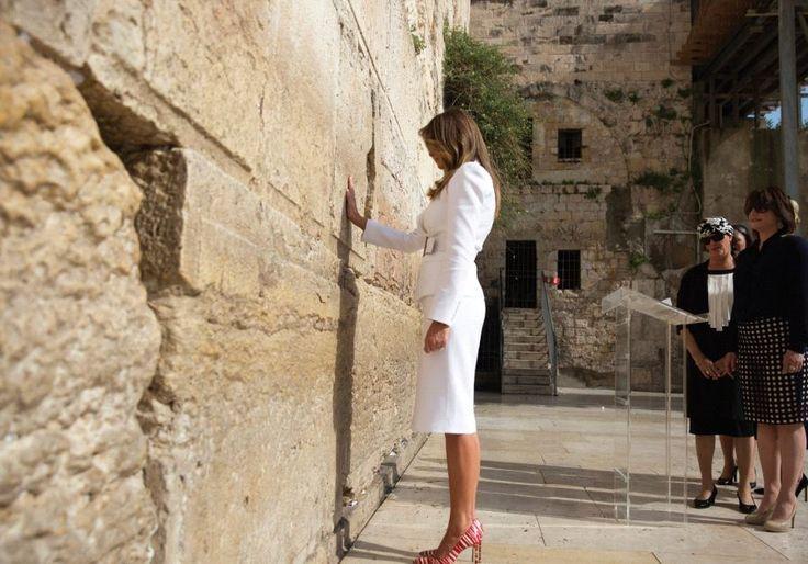 Znalezione obrazy dla zapytania politycy pod ścianą płaczu