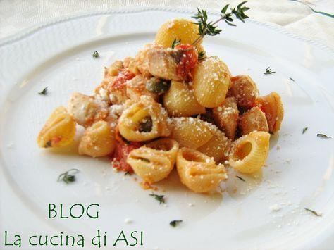 Un primo piatto molto veloce e gustoso con pesce spada pinoli pomodori pachino...un tripudio di sapori italianissima! La cucina di ASI