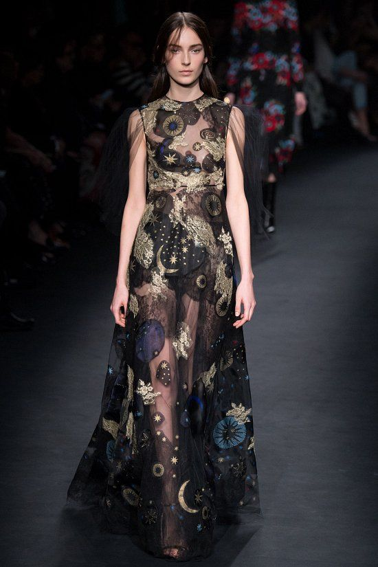 Valentino fall-winter 2015-2016 #fashion #PFW #moda #fashionwomancom