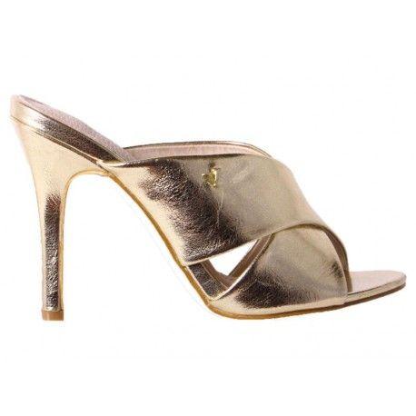 Zapatos de fiesta #VeronaFootwear Mod. 215150M  Zapato de tacón (estilo zueco cruzado) de color dorado metalizado.  #veronashoes #shoes #zueco #flat #sandals #footwear #style #saturday #fashion #moda #elegance #look #outfit