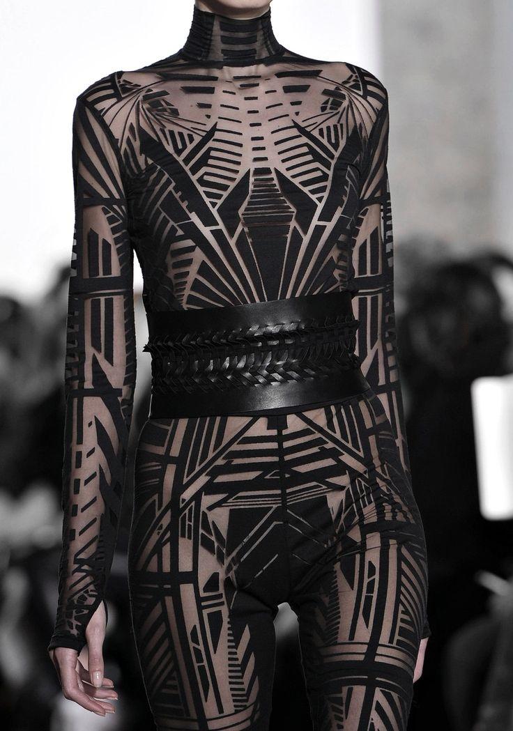 "vampentina: ""Yiqing Yin Haute Couture S/S 2015 """