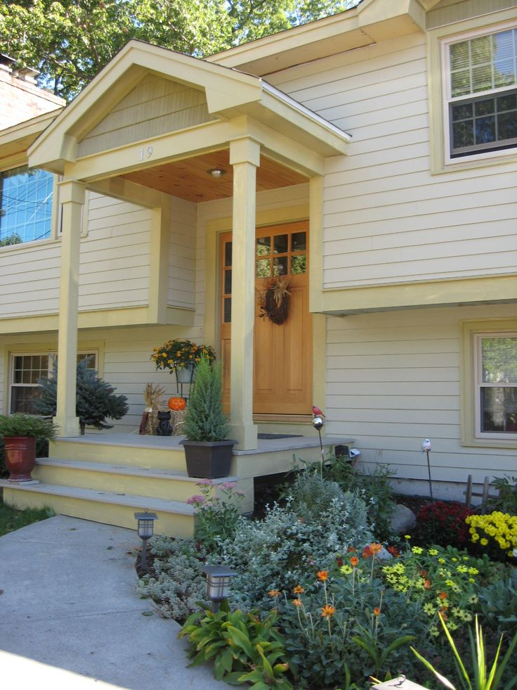 Side view of other pin  I would make the columns a little thicker. Best 25  Raised ranch entryway ideas on Pinterest   Split level
