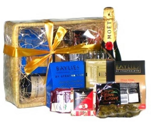 19 best unique gifts for men images on pinterest gift for men purchase gift hampers at very economical price from gifts2thedoor negle Gallery