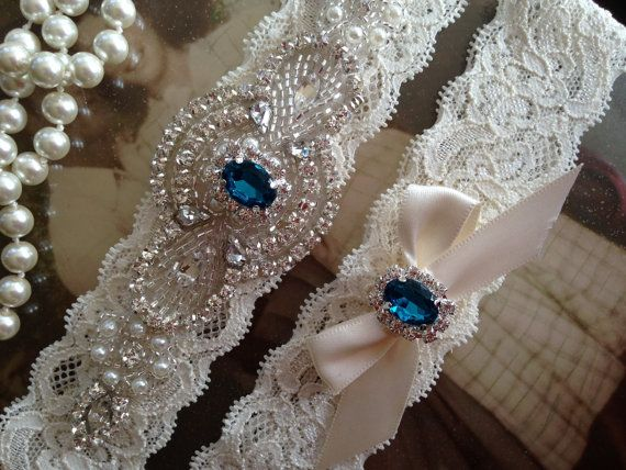 SALE-Wedding Garter-Garter-Bridal garter-Ivory Lace-Rhinestone-Applique-Emerald-Green-Blue-Pink-Purple-Red-Vintage Garter-Stretch lace