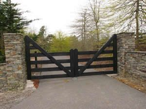 Manor Gates - Traditional hand-crafted Timber and Wooden
