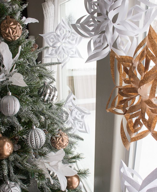 Easy to Make 3D paper Snowflakes