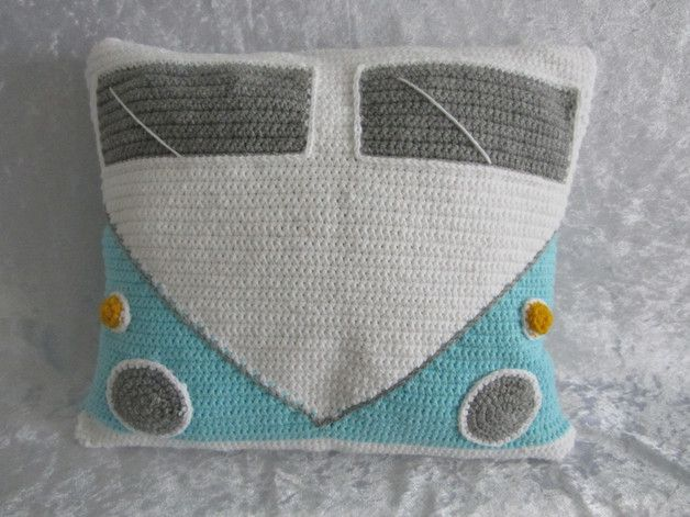 Häkelanleitung Kissenbezug, alter Bulli / diy crochet project: instruction oldtimer, bull, t4 by Medina's Häkelanleitungen via DaWanda.com