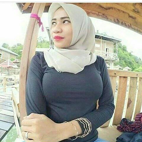 Besar ga? . . . .  #jilboobs #jilboob #kerudungseksi #jilbabseksi #hijabseksi #kerudung #hijab #jilbab #kerudunghot #hijabhot #jilbabhot #kerudungcantik #hijabcantik #jilbabcantik #abghits #hits #kekinian #jilbabindonesia #jilbabanakmurah #jilboobers #jilboobscommunity