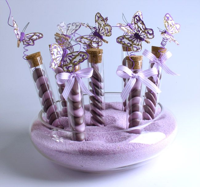 Ces flacons de sable disponibles en plusieurs couleurs seront parfaits pour animer votre cérémonie du mélange des sables : http://www.mariage.fr/flacon-de-sable-decoratif--400g.html