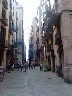 Carrer Llibreteria to 12 meters above the Cardo Maximus of Barcino