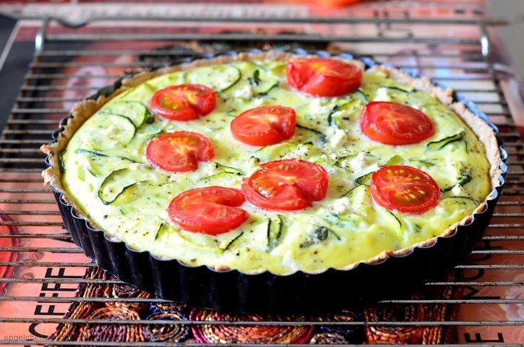 engelchens-probierstuebchen: Quiche mit Zucchini, Tomaten, Lauchzwiebeln und Feta