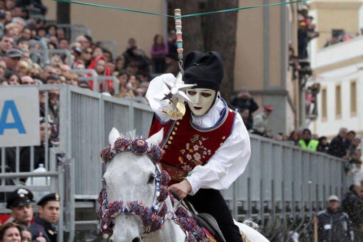 5 top carnival festivals in Italy.
