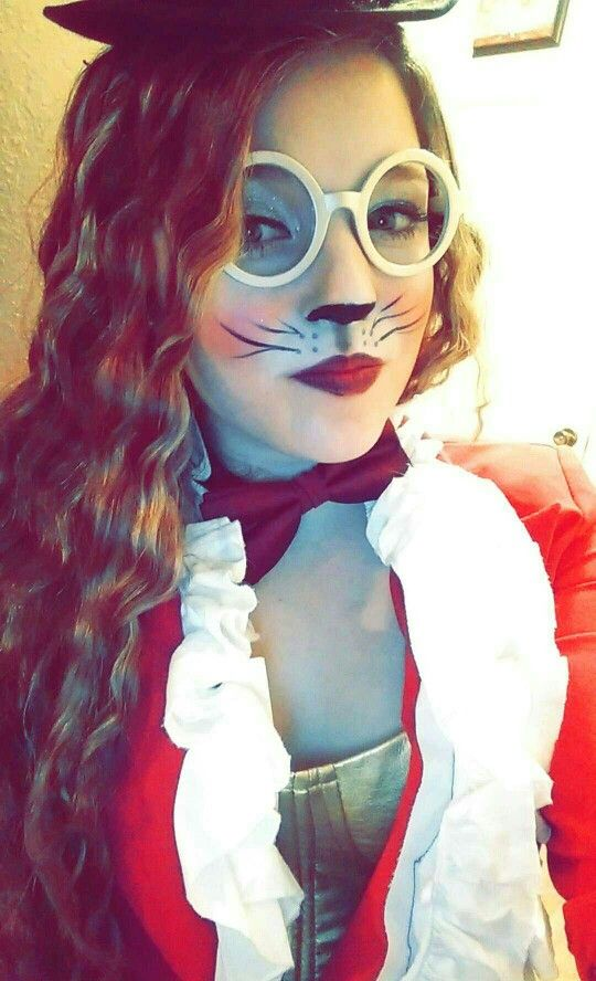 The white rabbit makeup #halloween
