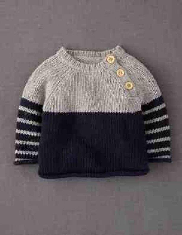 Gebreide baby trui met houten knoopjes