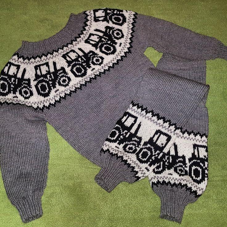Strikket traktorsett i merinoull Knitted sweather and pants