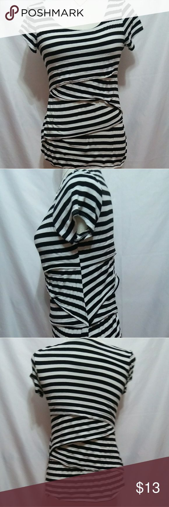 Maurices striped women's top.  Size medium. Maurice's black and white striped women's top. Size medium. Measurements to follow. Links from color to waste in the back is 23 in. Sleeve length is 5 in. All measurements taken from the back. Maurices Tops Tees - Short Sleeve