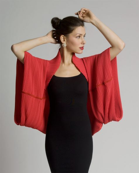 This quick-to-make pleated wrap is simple to make and is the perfect topper for any special occasion. Read more to learn how to make this fabulous shrug.