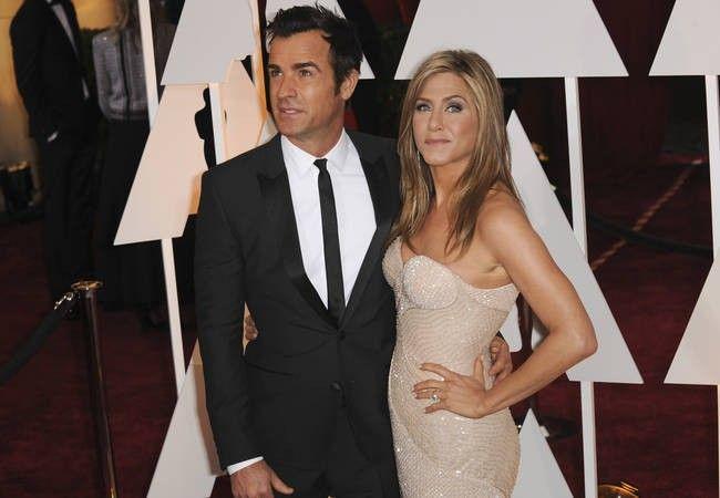 Jennifer Aniston starts life as Mrs. Theroux in Bora Bora