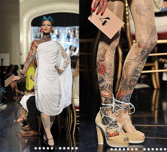 Défilé JP Gaultier et collant tatouage !                                                                                                                                                                                 Plus