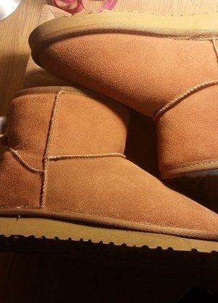 Kaufe meinen Artikel bei #Kleiderkreisel http://www.kleiderkreisel.de/damenschuhe/stiefeletten/143190806-braune-ugg-stiefel-grosse-37