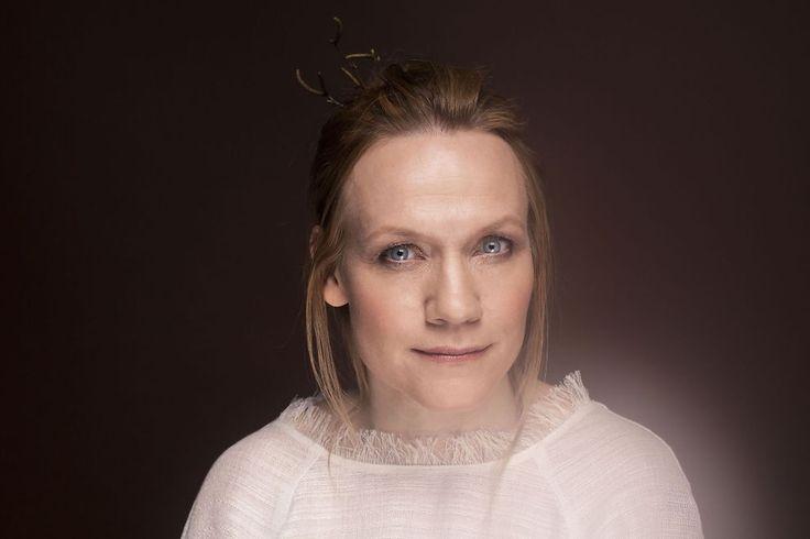 <p>HULL PÅ SOLOBYLLEN: Anneli Drecker treffer blink på sin tredje soloplate, ti år etter den forrige. Foto: RUNE GRAMMOFON</p>