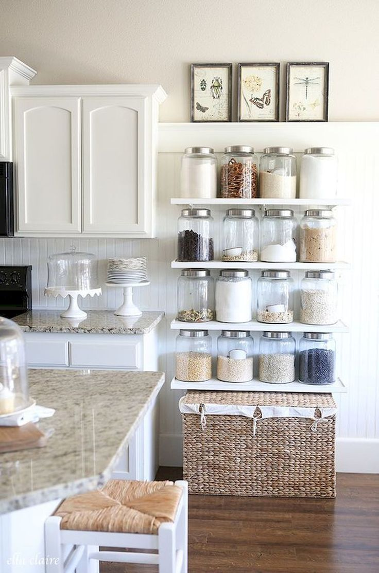 Cool 60 Affordable Farmhouse Kitchen Ideas on A Budget https://decorapatio.com/2017/06/18/60-affordable-farmhouse-kitchen-ideas-budget/