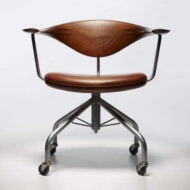 Wegner Swivel Chair Teak!
