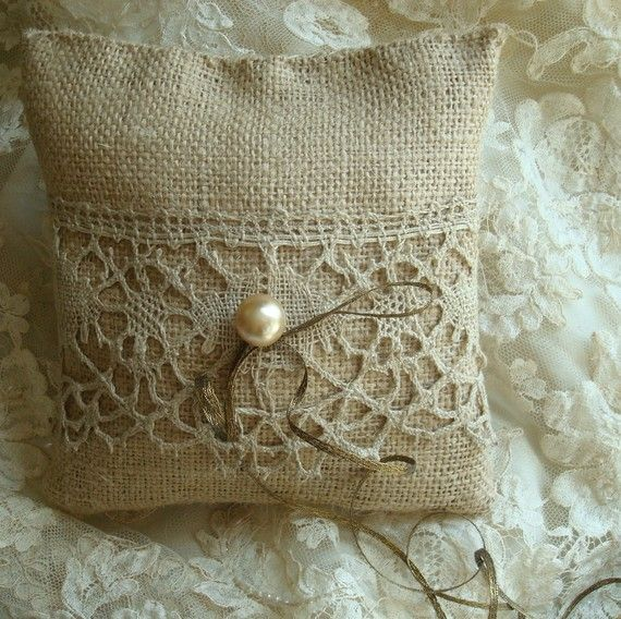 burlap and lace ring pillow - would look cute as a larger pillow for the couch too!