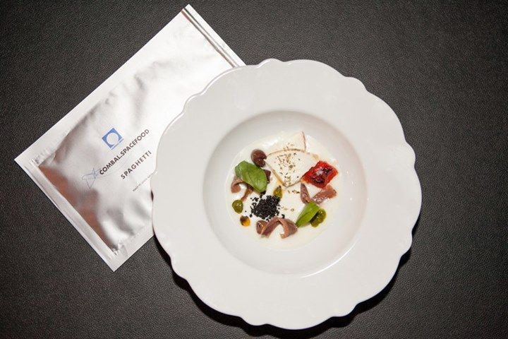 Ever been to space? Here are the Space Spaghetti by chef Davide Scabin in their special bag, ready to join his dish