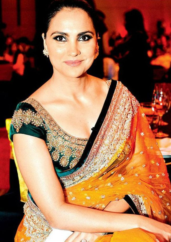 1469 Lara Dutta Bollywood Replica Designer Saree