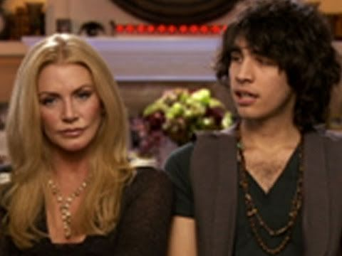 ▶ Gene Simmons: Family Jewels: Traumatizing Nick - YouTube