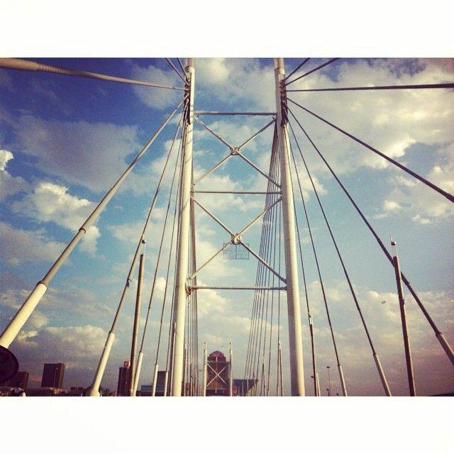 #Myjozi #johannesburg #mycity #citylife #igersjozi #nelsonmandelabridge  (at Nelson Mandela Bridge,Johannesburg)