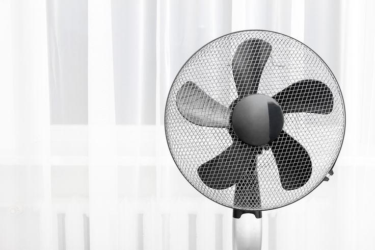 Limpando ventiladores e aparelhos de ar condicionado. Veja mais em efacil.com.br/simplifica