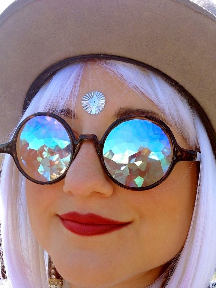 h0les kaleidoscopic glasses / h0les