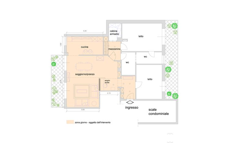 Una zona giorno più funzionale con angolo studio e mini-biblioteca