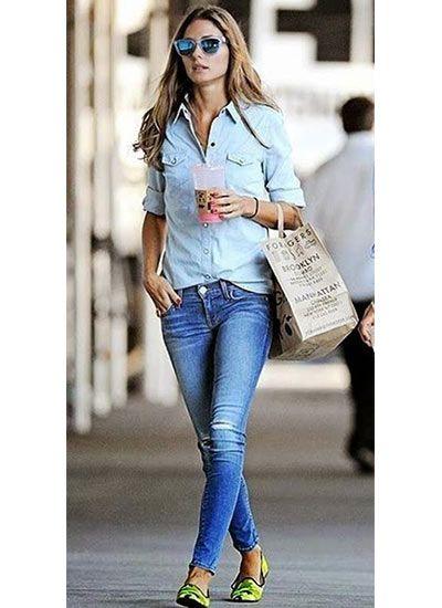 シャンブレーシャツ×ジーンズのコーデ(レディース)海外スナップ | MILANDA