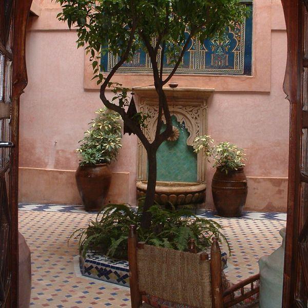 Moroccan courtyard house plan ideas decorating for Moroccan style garden ideas