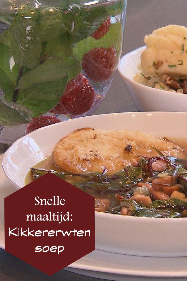 Sharon maakt van snijbiet, spekblokjes, kikkererwten en meer verse groenten een hele bijzondere soep, geserveerd op een pitabroodje! Daarbij maakt ze een bloemkoolsalade. Een snelle en gezonde maaltijd. Lekker om zelf te maken! Het recept kan je vinden op de site! #kikkererwten #soep #recepten