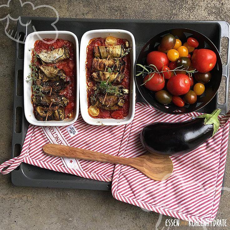 Auberginenröllchen in Tomatensoße